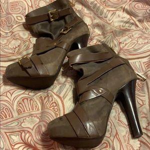 Michael Kors grey heels with inside platform